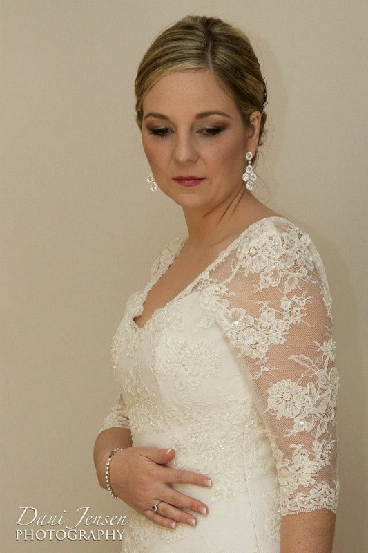 Vintage Lace Wedding Dress, Wedding Dress with Lace Sleeves, Classic Lace Wedding Dress with Sleeves
